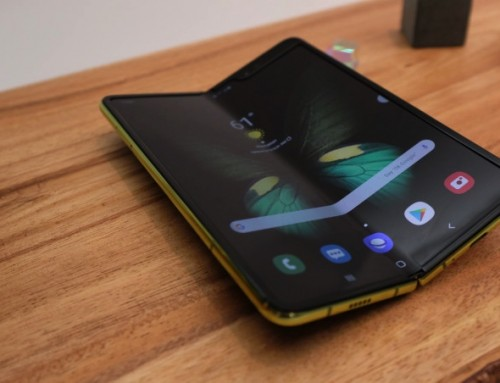 Samsung responds to reviewer complaints about its Galaxy Fold phone