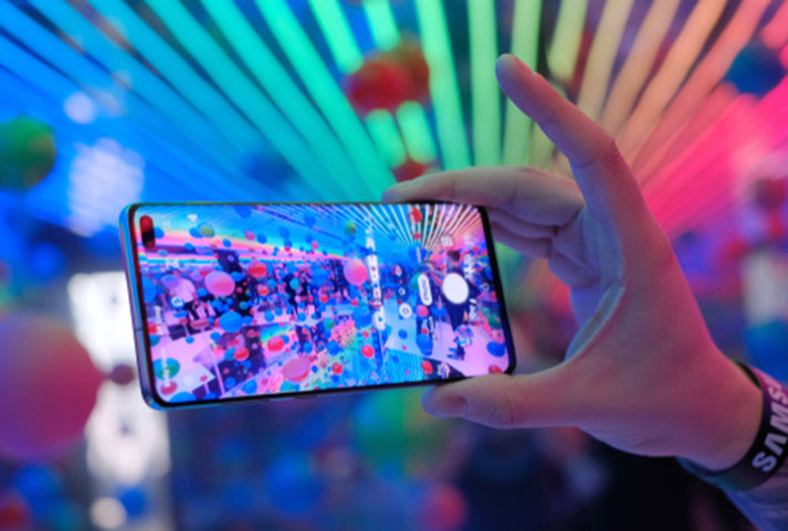 Samsung raises the bar with Galaxy S10