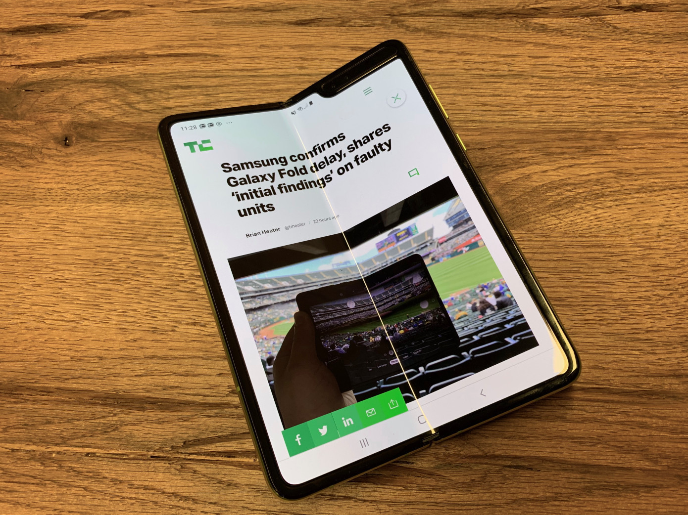 AT&T cancels Samsung Galaxy Fold orders