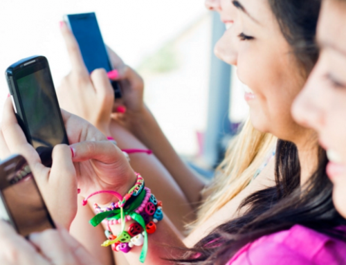 Step targets teens and parents with a no-fees mobile bank account and Visa card